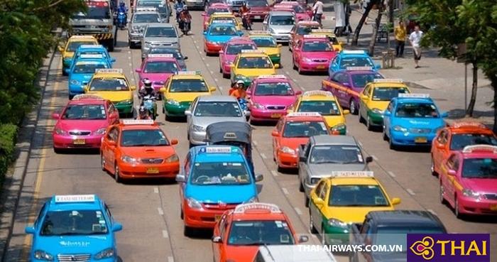 Taxi là phương tiện di chuyển chủ yếu ở Thái Lan