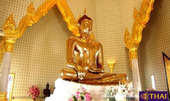 Tượng Phật làm từ vàng nguyên khối