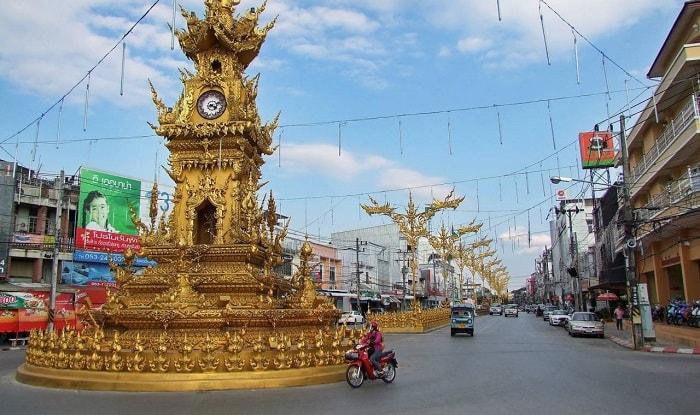 Tháp đồng hồ Chiang Rai