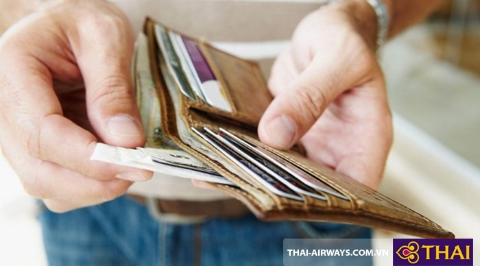 Cẩn thận với tiền bạc