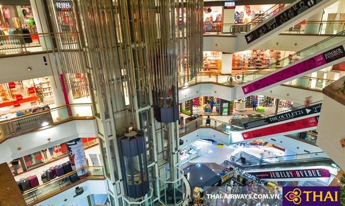 Bangkok Fashion Outlet có 4 tầng