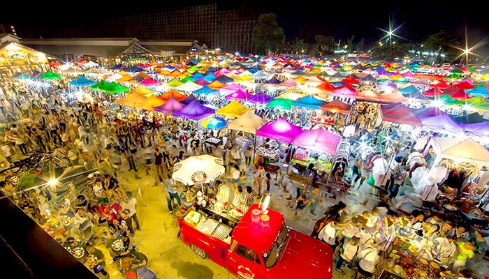 Chợ đêm Rot Fai nhìn từ trên cao